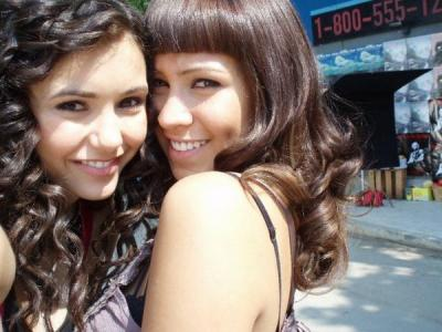 File:Nina dobrev and cassie steele 2.jpg