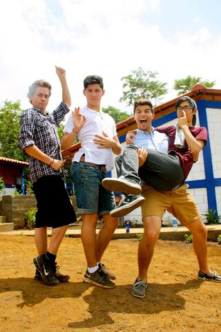 File:Degrassi cast photo spam - 5.jpg