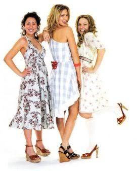 File:Dresses6-dtng.jpg