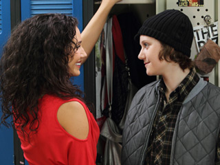 File:Bianca and adam lockers degrassi season 10.jpg