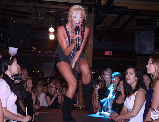 File:Wear it loud party toronto 10.jpg