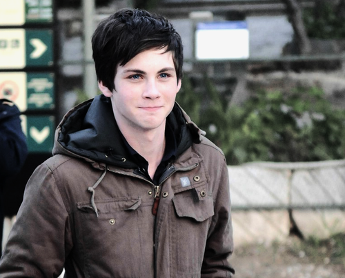 File:Logan Lerman.png