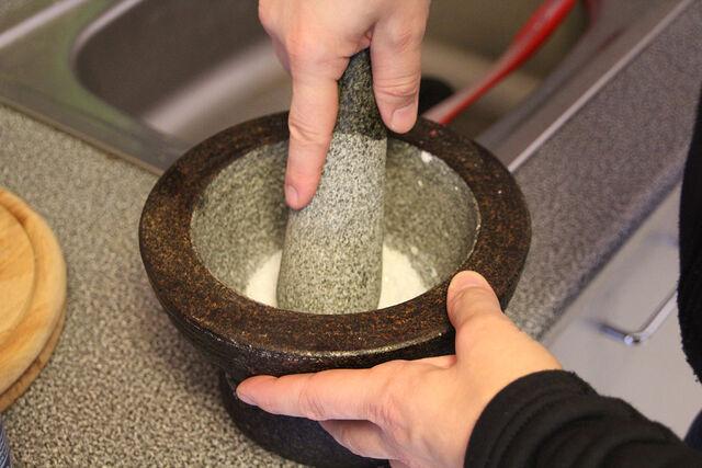 Datei:Meersalz-Eis Salzkristalle malen.JPG