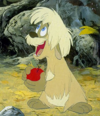 File:Gurgi Holding an Apple.jpg