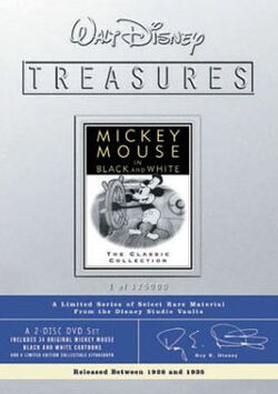DisneyTreasures02-mickeyb&w