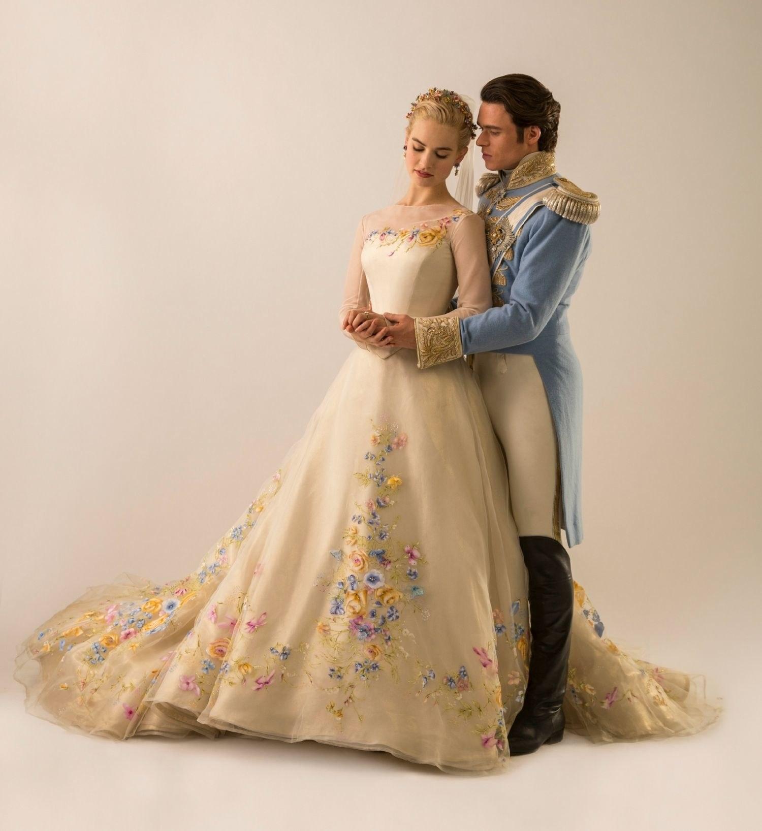 Cinderella Wedding Dress Up Games Online White Camo: Image - Cinderella With Prince Kit.png