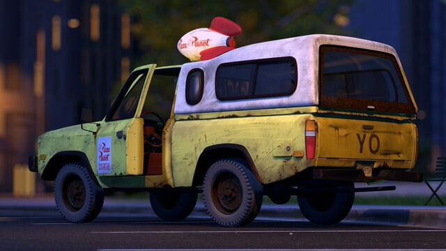 File:Pizza-planet-truck.jpg