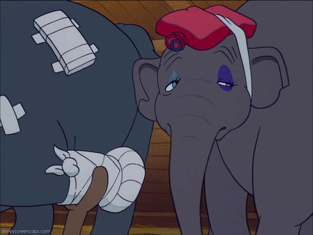File:Dumbo-disneyscreencaps com-3701.jpg