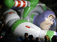 Buzz-Balloon-Macys-preparation