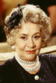 File:Joan Plowright.jpg