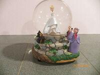Cinderella Disney snow globe