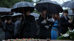 Once Upon a Time - 5x21 - Last Rites - Robin Funeral 2