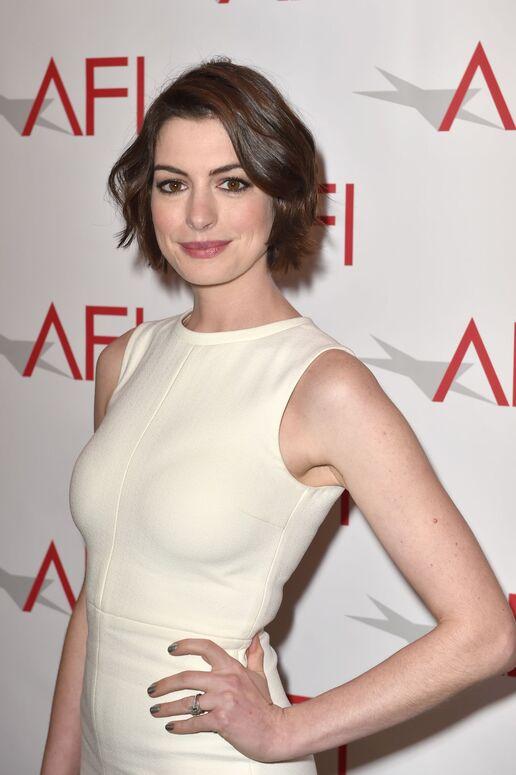 Anne Hathaway   Disney... Anne Hathaway Wiki