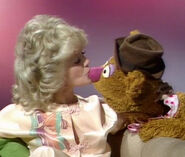 Kiss Connie Stevens Fozzie