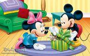Minnies Gift- 1280x800