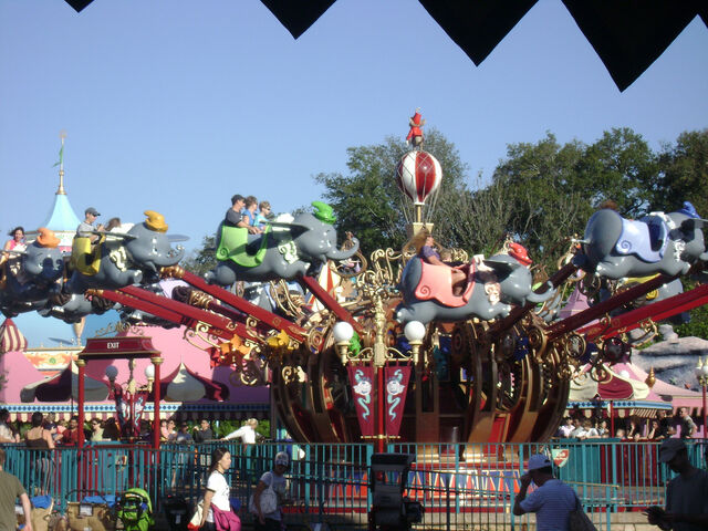 File:Dumbo the Flying Elephant at Magic Kingdom.jpg