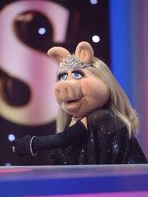 TF1-MuppetsTV-PhotoGallery-03-MissPeggy