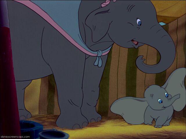File:Dumbo-disneyscreencaps com-1844.jpg