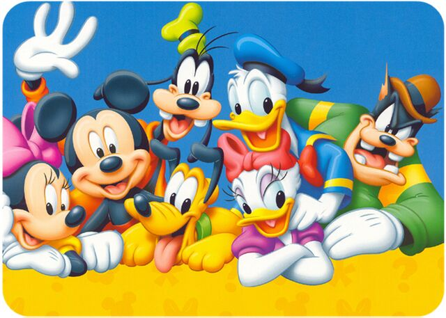 File:Mickey-and-friends-4.jpg