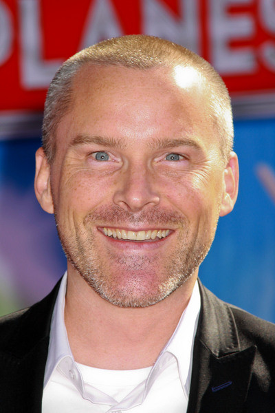 roger craig smith disney wiki fandom powered by wikia