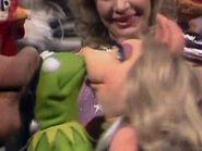 Kiss-KermitPiggy502