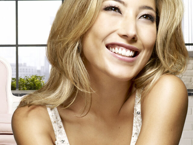 File:Dichen Lachman So Fox Winter.jpg