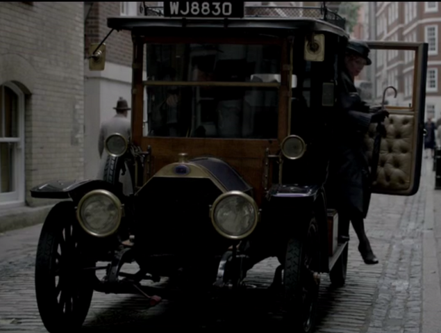 File:LondonTaxi2S4E7.png