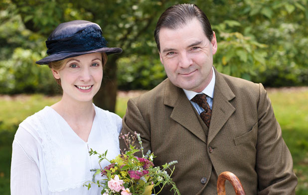 File:Downton 2 bates and anna's wedding.jpg