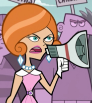 S01e20 Pam with a megaphone