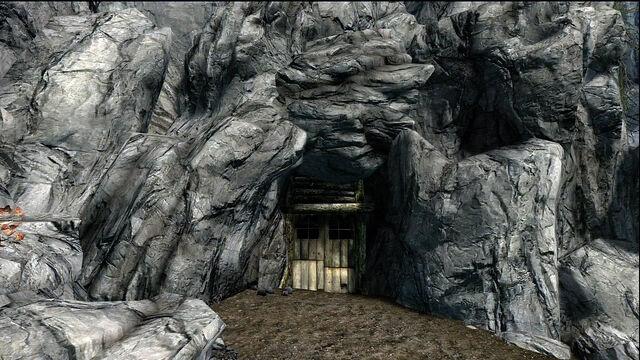 File:Boulderfallcaveimage.jpg