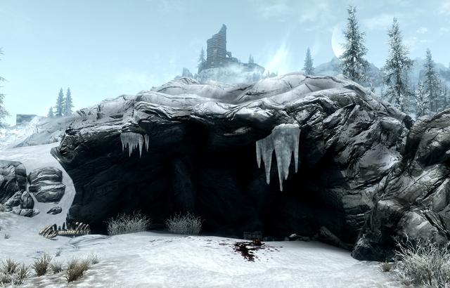 File:Dawnstar Frost Troll Den.png