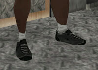 Low tops negras.jpg