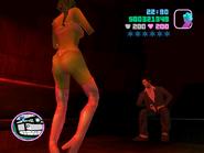 Tommy viendo a una bailarina