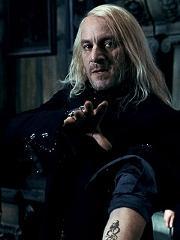Lucius en la Mansión Malfoy.jpg