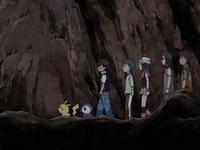 Archivo:EP558 Avanzando en la cueva.png