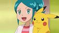 EE13 Ayumi con Pikachu.png