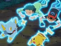Archivo:EP559 Ash, Anige y los Pokémon inmovilizados.png