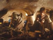 Yoda y Luke dentro de la Choza de Yoda.png