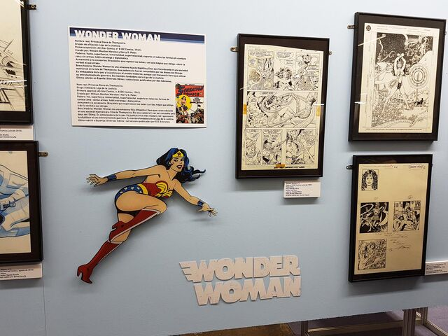 Archivo:Salondelcomic2016 wonderwoman.jpg