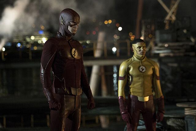 Archivo:The flash temporada 3.jpg