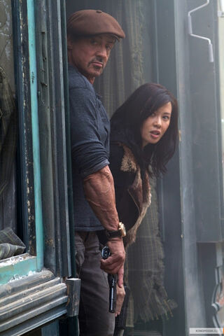 File:Nan Yu & Stallone The-Expendables-2-1950848.jpg