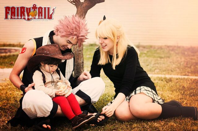 File:FamilyCosplayFanart.jpg