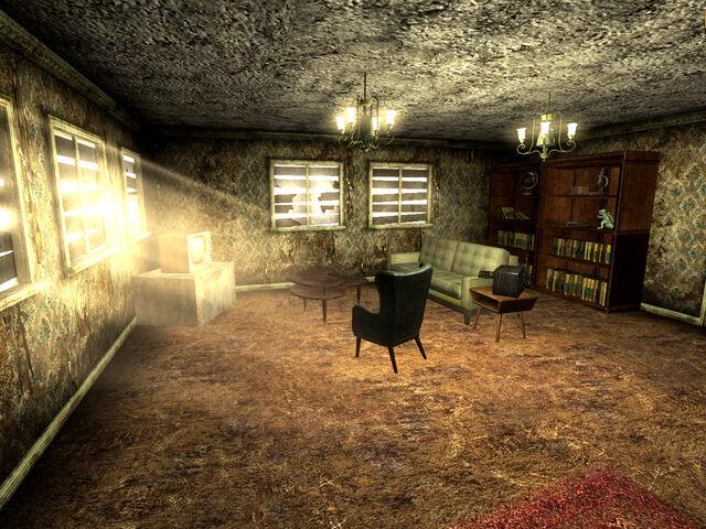 File:Searchlight home living room.jpg