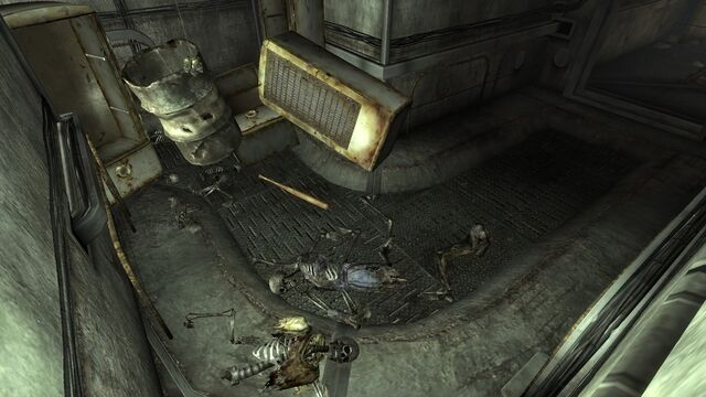 File:FO3 Roosevelt Academy tunnels 2.jpg