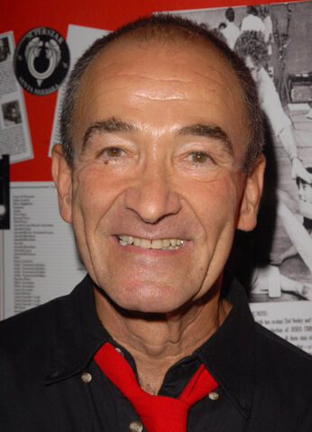 File:Barry Dennen.jpg