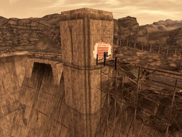 File:Hoover Dam Tower 1.jpg