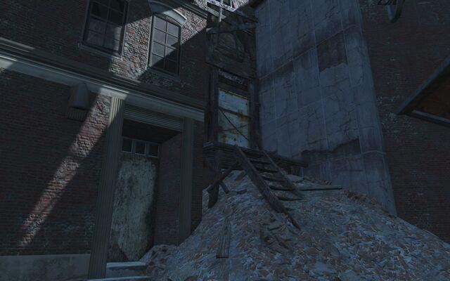 File:Hangman's Alley Chained Door.jpg