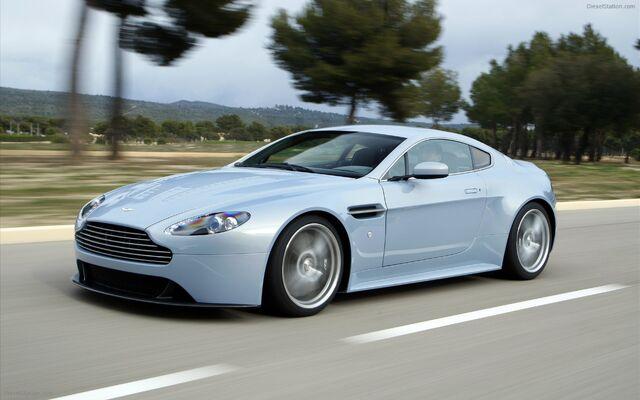 File:Aston-Martin-V12-Vantage-RS-Concept-widescreen-05.jpg