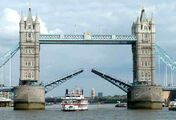 London-tower-bridge fun bizzare oddities weird cool 200907301656384629