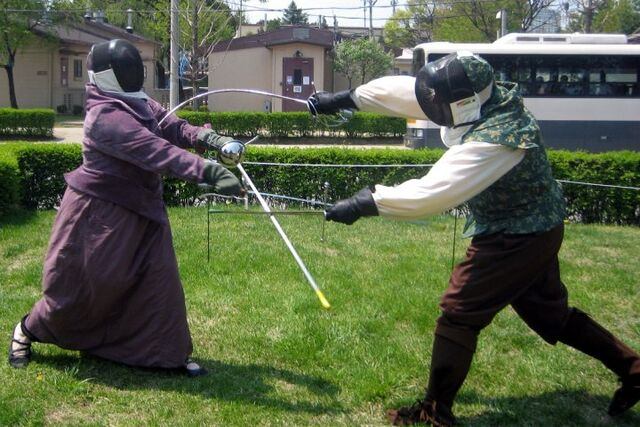 File:Robert Fencing with Isabeau.jpg
